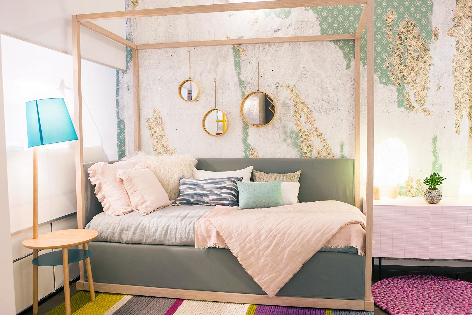 lit baldaquin fait maison tte de lit bois zara with lit. Black Bedroom Furniture Sets. Home Design Ideas